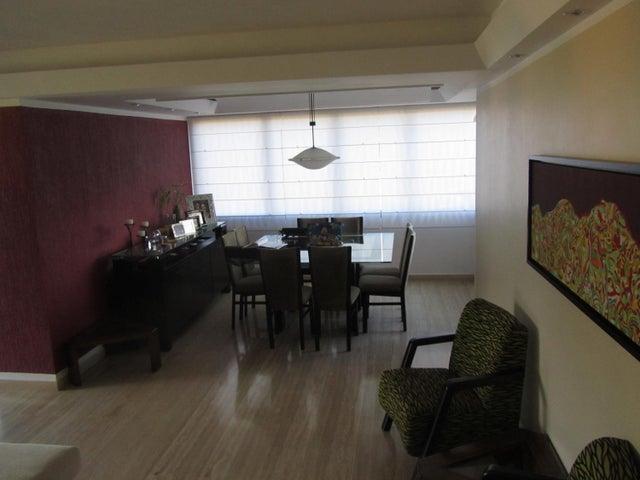 Apartamento Distrito Metropolitano>Caracas>Las Mesetas de Santa Rosa de Lima - Venta:210.659.000.000 Precio Referencial - codigo: 15-14629