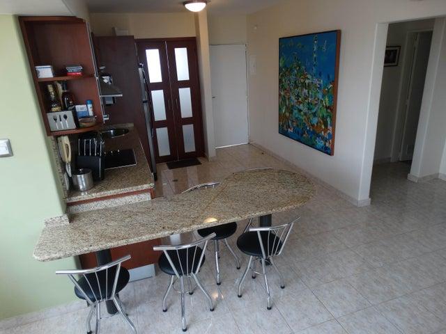 Apartamento Miranda>Higuerote>Puerto Encantado - Venta:10.151.000.000 Bolivares Fuertes - codigo: 15-14627
