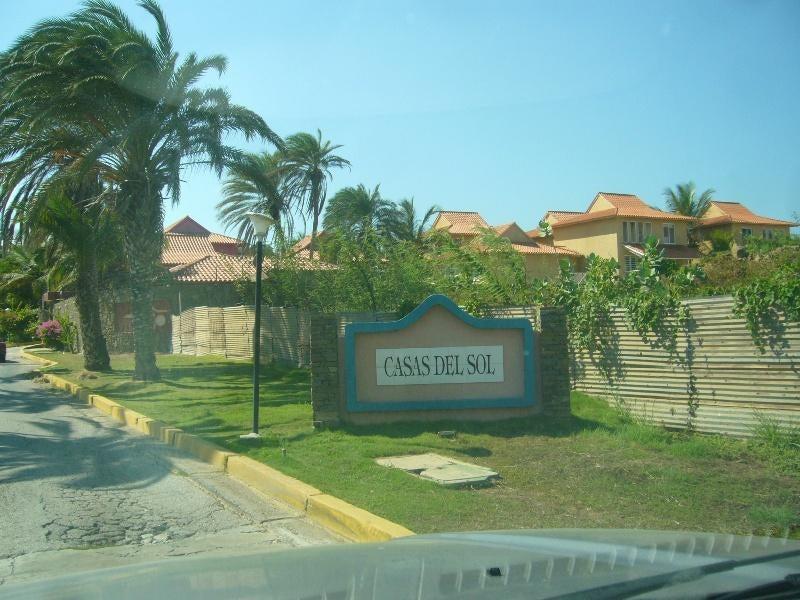 Apartamento Nueva Esparta>Margarita>Playa el Angel - Venta:57.116.000.000 Precio Referencial - codigo: 15-14672