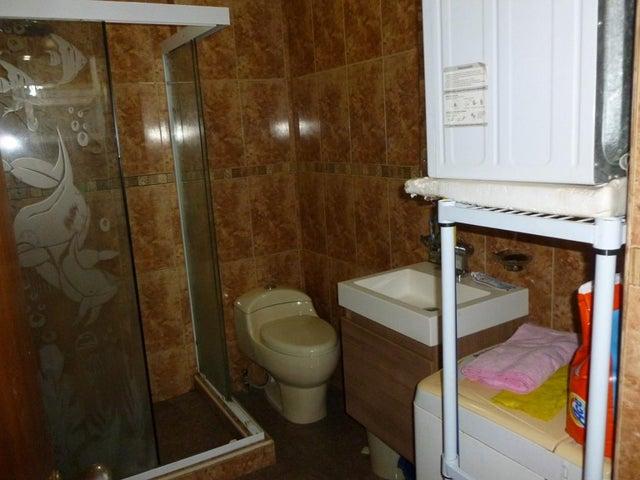 Apartamento Vargas>La Guaira>Macuto - Venta:10.615.000.000 Bolivares Fuertes - codigo: 15-14466