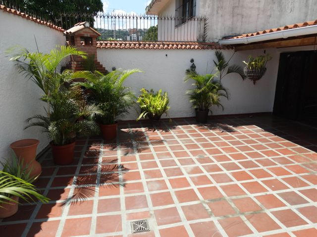 Casa Distrito Metropolitano>Caracas>Macaracuay - Venta:171.003.000.000 Precio Referencial - codigo: 16-16553