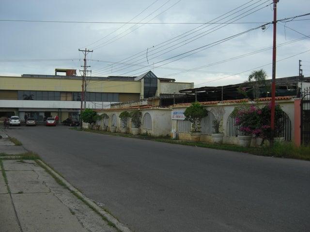 Terreno Zulia>Ciudad Ojeda>Avenida Bolivar - Venta:11.567.000.000 Bolivares - codigo: 15-14850