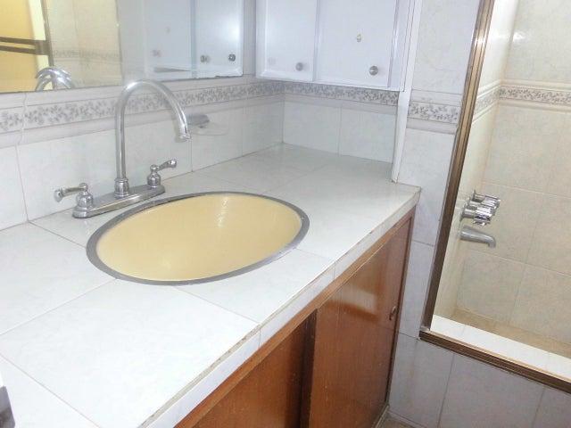 Apartamento Distrito Metropolitano>Caracas>Colinas de Bello Monte - Venta:54.016.000.000 Precio Referencial - codigo: 15-14901