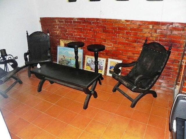 Casa Distrito Metropolitano>Caracas>Cumbres de Curumo - Venta:270.703.000.000 Bolivares - codigo: 15-14944
