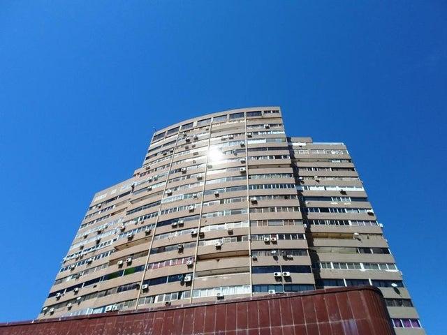 Apartamento Nueva Esparta>Margarita>Avenida 4 de Mayo - Venta:50.000 US Dollar - codigo: 15-14999