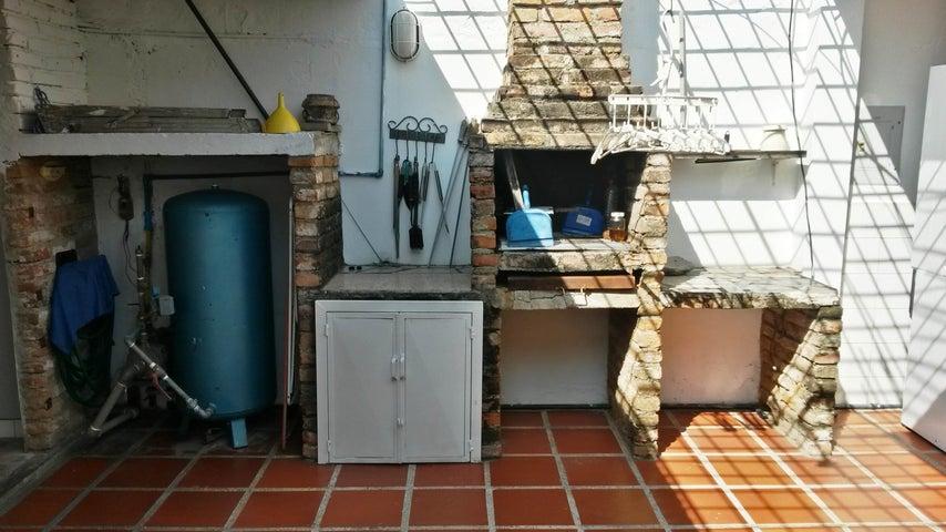 Casa Aragua>Cagua>La Fundacion - Venta:58.000.000 Bolivares - codigo: 15-15003