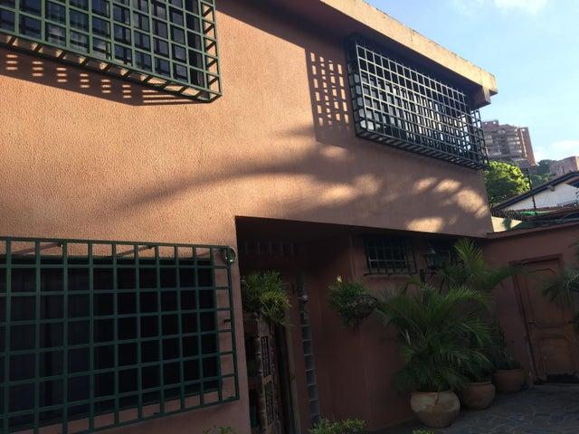 Casa Distrito Metropolitano>Caracas>Santa Sofia - Venta:136.145.000.000 Bolivares - codigo: 15-15005
