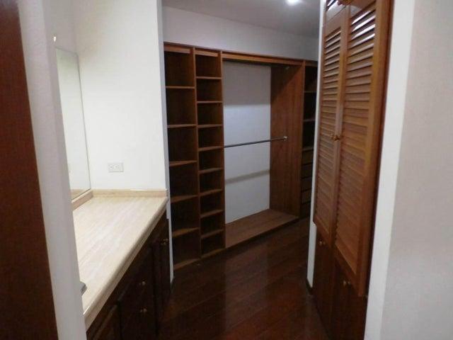 Casa Distrito Metropolitano>Caracas>Los Chorros - Venta:635.486.000.000 Precio Referencial - codigo: 15-15213