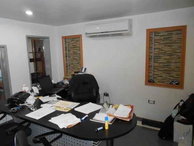 Negocios y Empresas Aragua>Municipio Linares Alcantara>La Morita I - Venta:427.507.962.000.000 Bolivares - codigo: 15-15169
