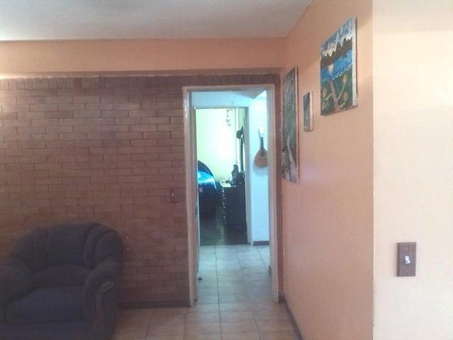Apartamento Distrito Metropolitano>Caracas>El Cigarral - Venta:12.400.000.000 Bolivares Fuertes - codigo: 15-15272
