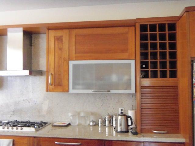 Casa Zulia>Maracaibo>Avenida Universidad - Venta:123.000.000.000 Bolivares - codigo: 15-15279