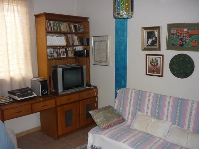 Casa Lara>Barquisimeto>Santa Elena - Venta:109.931.000.000 Precio Referencial - codigo: 15-15306
