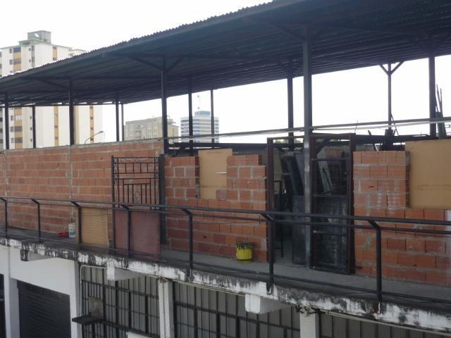 Local Comercial Lara>Barquisimeto>Parroquia Catedral - Venta:445.651.000.000 Precio Referencial - codigo: 15-15335