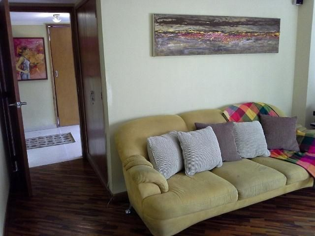Apartamento Zulia>Maracaibo>Avenida El Milagro - Venta:16.291.000.000 Bolivares Fuertes - codigo: 15-15373