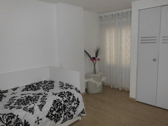 Apartamento Distrito Metropolitano>Caracas>La Tahona - Venta:889.681.000.000 Precio Referencial - codigo: 15-15415