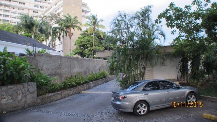Apartamento Distrito Metropolitano>Caracas>Las Mercedes - Venta:153.398.000.000 Bolivares Fuertes - codigo: 15-15927