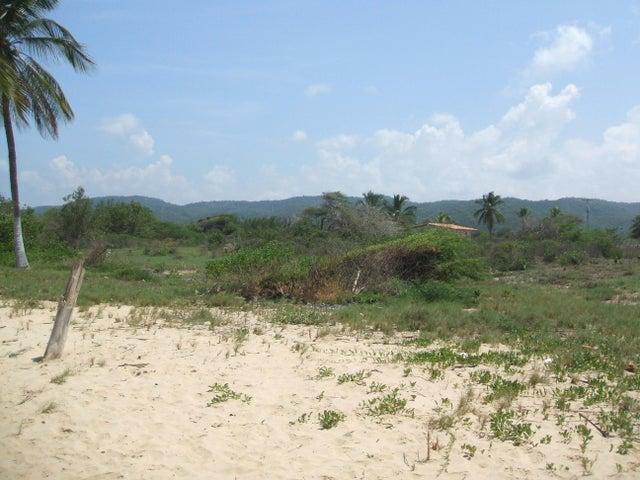 Terreno Miranda>Cupira>Playa Pintada - Venta:33.948.000.000 Bolivares - codigo: 15-15487