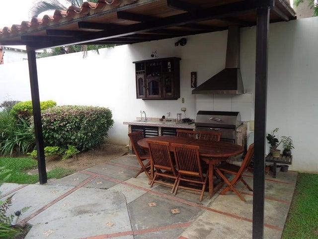 Casa Carabobo>Valencia>Altos de Guataparo - Venta:26.000.000.000 Bolivares - codigo: 15-15525