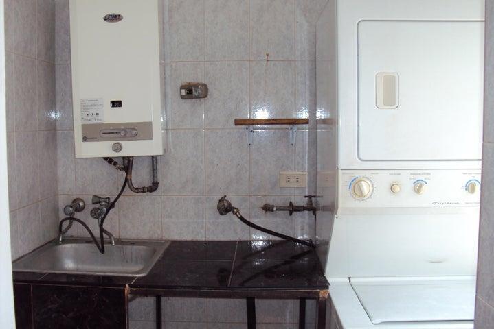 Apartamento Carabobo>Valencia>El Parral - Venta:5.250.000.000 Bolivares Fuertes - codigo: 15-11564