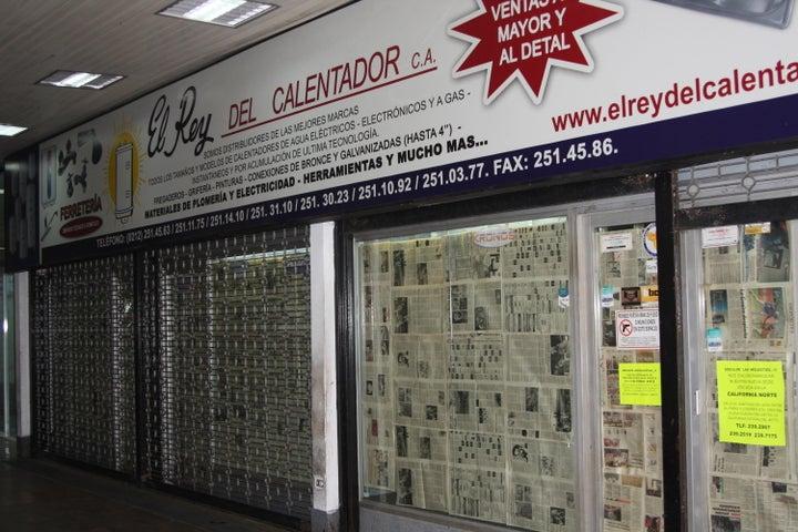 Local Comercial Distrito Metropolitano>Caracas>Palo Verde - Venta:10.836.000.000 Bolivares - codigo: 15-15605