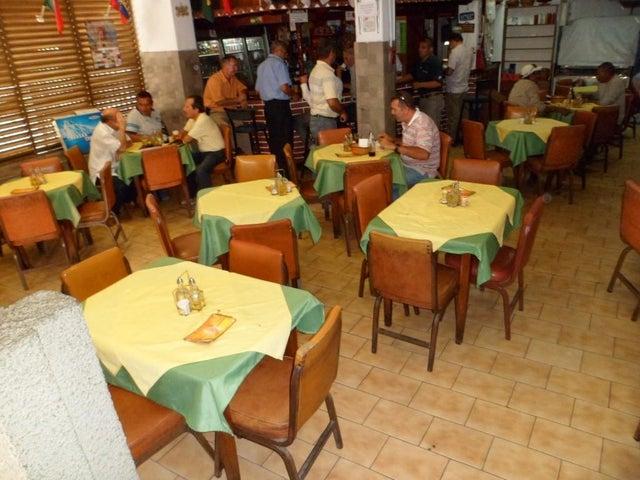 Negocios y Empresas Distrito Metropolitano>Caracas>Santa Monica - Venta:0 Bolivares - codigo: 15-15743