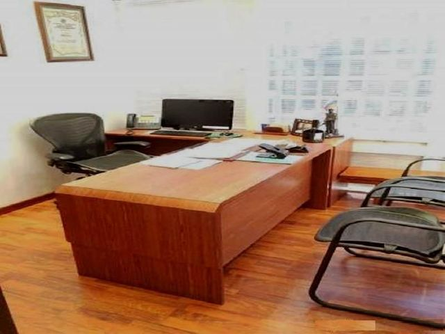 Oficina Distrito Metropolitano>Caracas>La Castellana - Venta:181.054.000.000 Bolivares - codigo: 15-15653