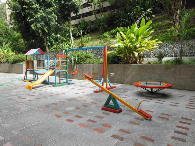 Apartamento Distrito Metropolitano>Caracas>El Cigarral - Venta:68.539.000.000 Precio Referencial - codigo: 15-15752