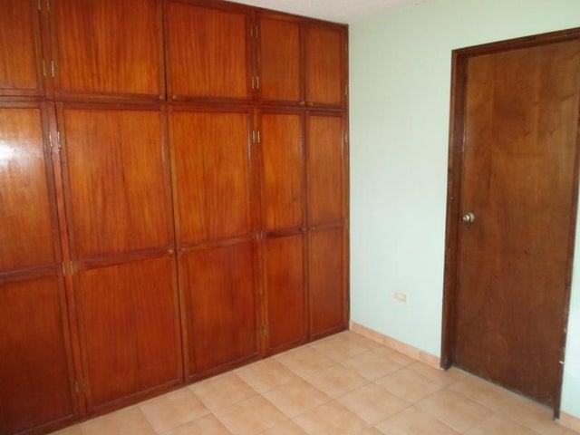 Apartamento Nueva Esparta>Margarita>Porlamar - Venta:23.000 Precio Referencial - codigo: 15-15702