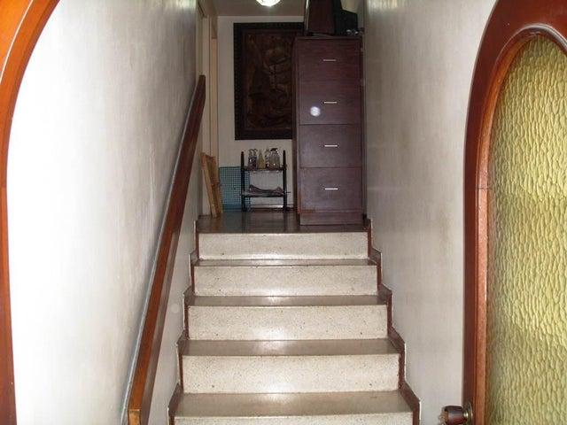 Apartamento Distrito Metropolitano>Caracas>Las Mercedes - Venta:39.139.000.000 Bolivares Fuertes - codigo: 15-15737