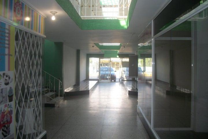 Local Comercial Zulia>Ciudad Ojeda>Cristobal Colon - Venta:45.000.000 Bolivares - codigo: 15-15756