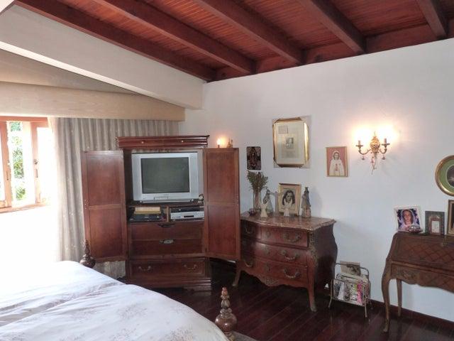 Casa Distrito Metropolitano>Caracas>Prados del Este - Venta:293.148.000.000 Precio Referencial - codigo: 15-15811