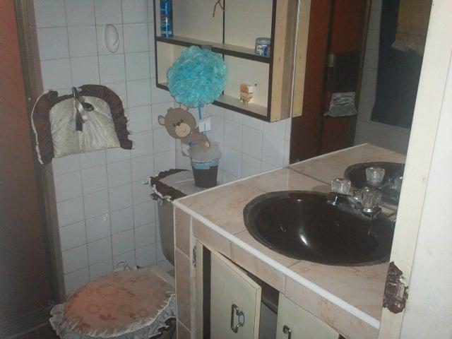 Apartamento Lara>Barquisimeto>Parroquia Union - Venta:945.000.000 Bolivares Fuertes - codigo: 15-15877