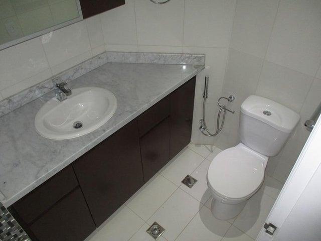 Apartamento Nueva Esparta>Margarita>Costa Azul - Venta:179.577.000.000 Precio Referencial - codigo: 15-15945