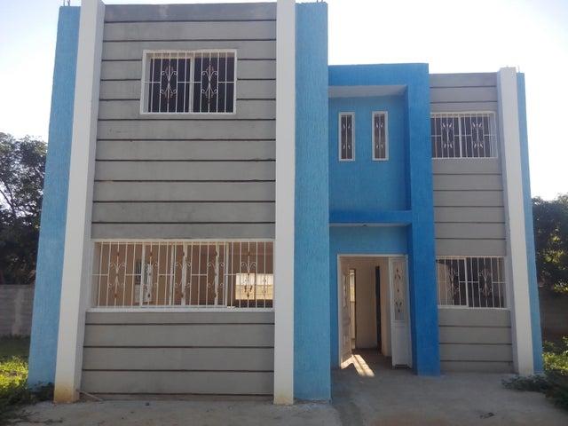 Townhouse Zulia>Cabimas>5bocas - Venta:3.847.000.000 Bolivares - codigo: 15-15986