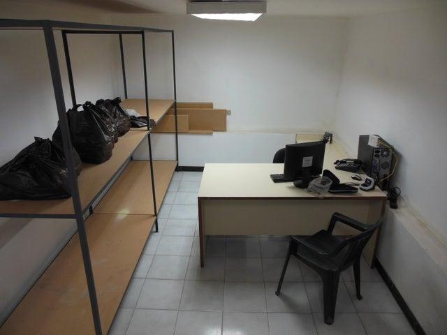 Negocios y Empresas Distrito Metropolitano>Caracas>Guaicaipuro - Venta:0 Bolivares Fuertes - codigo: 15-15989