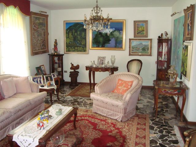 Casa Distrito Metropolitano>Caracas>Macaracuay - Venta:205.001.000.000 Precio Referencial - codigo: 15-16009