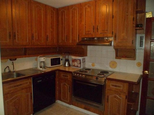 Apartamento Distrito Metropolitano>Caracas>Los Palos Grandes - Venta:1.890.000.000 Bolivares Fuertes - codigo: 15-16055