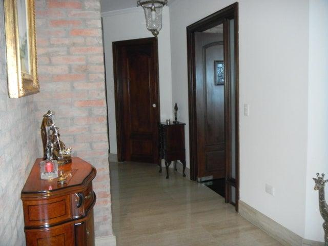 Apartamento Zulia>Maracaibo>Virginia - Venta:600.000.000 Bolivares Fuertes - codigo: 15-16213