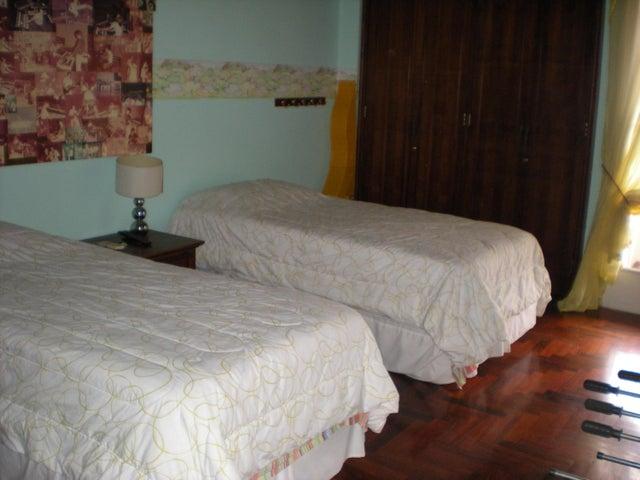 Casa Distrito Metropolitano>Caracas>Santa Paula - Venta:67.669.000.000 Bolivares - codigo: 15-16086