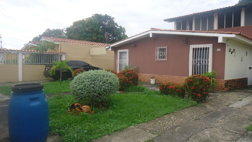 Casa Portuguesa>Araure>Las Mesetas de Araure - Venta:19.065.000.000 Precio Referencial - codigo: 15-16094