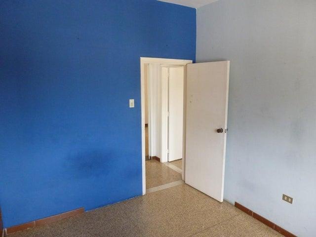 Apartamento Distrito Metropolitano>Caracas>La Carlota - Venta:13.814.000.000 Bolivares Fuertes - codigo: 15-16149