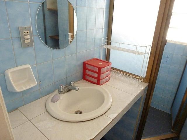Apartamento Distrito Metropolitano>Caracas>La Carlota - Venta:37.815.000.000 Precio Referencial - codigo: 15-16149