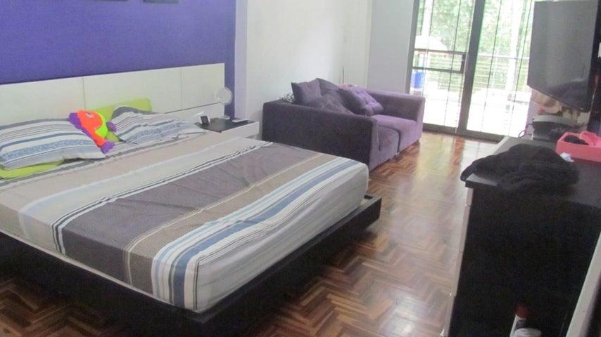 Casa Distrito Metropolitano>Caracas>Lomas de Monte Claro - Venta:29.421.000.000 Bolivares - codigo: 15-16250
