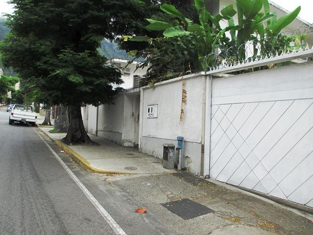 Casa Distrito Metropolitano>Caracas>Santa Eduvigis - Venta:127.066.000.000 Precio Referencial - codigo: 15-16252