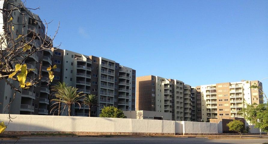 Apartamento Nueva Esparta>Margarita>Costa Azul - Venta:41.932.000.000 Precio Referencial - codigo: 15-16287