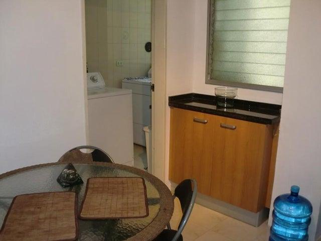 Apartamento Distrito Metropolitano>Caracas>Las Esmeraldas - Venta:1.025.000.000 Bolivares Fuertes - codigo: 15-16319