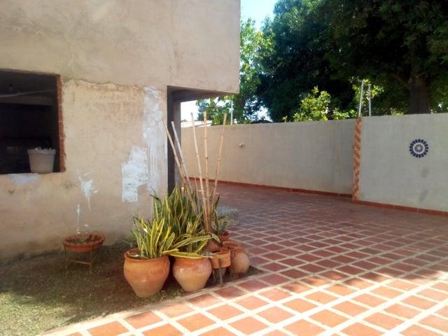 Casa Zulia>Cabimas>5bocas - Venta:41.688.000.000 Precio Referencial - codigo: 15-16378