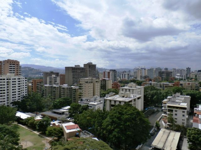 Apartamento Distrito Metropolitano>Caracas>Los Dos Caminos - Venta:28.093.000.000 Precio Referencial - codigo: 15-16429