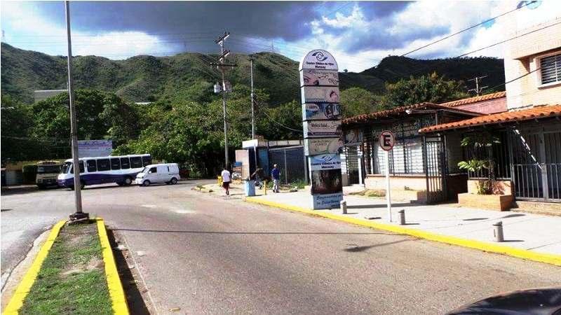 Negocios y Empresas Aragua>Maracay>La Floresta - Venta:12.506.271.000.000 Bolivares - codigo: 15-16198