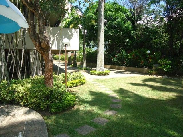 Apartamento Distrito Metropolitano>Caracas>Macaracuay - Venta:22.632.000.000 Bolivares Fuertes - codigo: 15-16613
